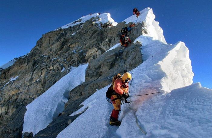 """نيبال: العثور على أربعة جثث لمتسلقين في """"إيفرست"""" أعلى قمة جبلية في العالم"""