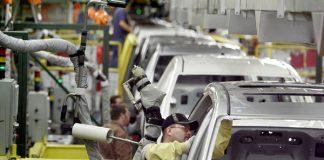 """جون أفريك: قطاع صناعة السيارات يشهد """"ثورة"""" بالمغرب"""