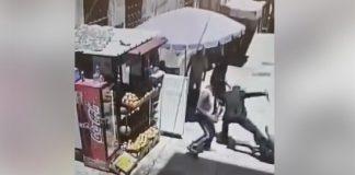فيديو.. لحظة تنفيذ عبد الله السكجي عملية طعن في البلدة القديمة بمدينة القدس المحتلة