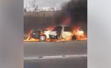 حريق شب في سيارة ثم انتقل لسيارات بجانبها أمام موركومول بالدار البيضاء