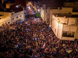 أزيد من 500 مثقف يطالبون بإطلاق سراح معتقلي الريف واعتماد الحوار بدل القمع