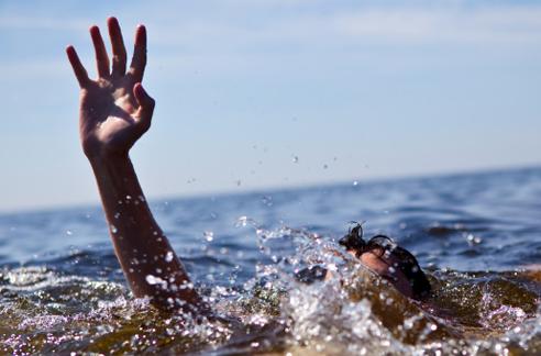 وزارة الاتصال تنفي محتوى فيديو يتعلق بإنقاذ مغربيين من الموت في عرض مياه المتوسط