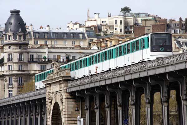 """""""نقل باريس"""" تبحث عن كفاءات مغربية"""