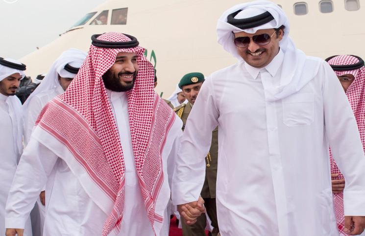 """أمير قطر يبدأ زيارة للولايات المتحدة بالتزامن مع وجود """"ابن سلمان"""""""