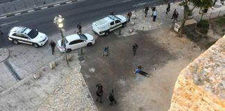 إصابة شابين برصاص الاحتلال الصهيوني بباب العمود في القدس المحتلة ومنع وصول الإسعاف لهما