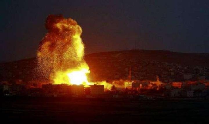 """الكيان الصهيوني يقصف """"موقعا عسكرياً"""" يتبع حركة حماس في غزة"""
