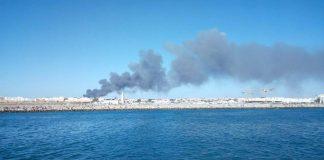 صورة من الرباط تظهر دخان حريق سوق الكلب المتصاعد في السماء