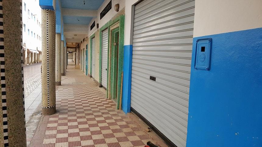 السلطات المحلية بالحسيمة.. سيتم التوقيف الفوري لكل من هدد أصحاب المحلات التجارية لإغلاق محلاتهم