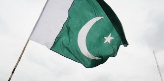 """الدفاع الباكستانية تحذّر الهند من """"الرد بالمثل"""" على هجوم كشمير"""