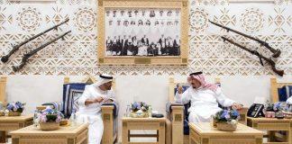 أكاديمي إماراتي ينتقد الدول المقاطعة لقطر ويدعو الدوحة للتعبئة
