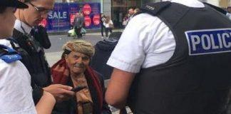 مسن يمني يتجول بخنجر يثير الرعب في شوارع ليفربول