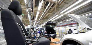 """""""إلباييس"""": المغرب يشهد نموا قويا في قطاع صناعة السيارات"""
