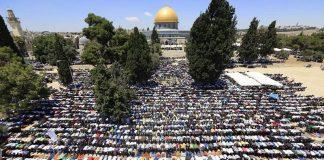 200 ألف مصل أدوا صلاة الجمعة الثانية من رمضان في الأقصى