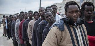 إيقاف ألف مهاجر غير شرعي في الحسيمة