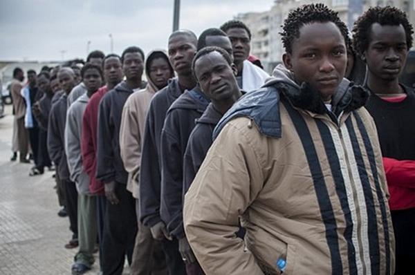 الحكومة المغربية: لا يمكننا تحمل عبء الهجرة السرية بمفردنا