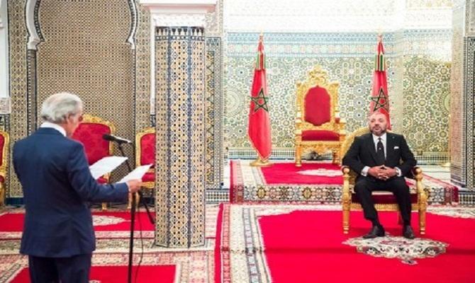 والي بنك المغرب يقدم للملك التقرير السنوي للوضعية الاقتصادية للمغرب لسنة 2016