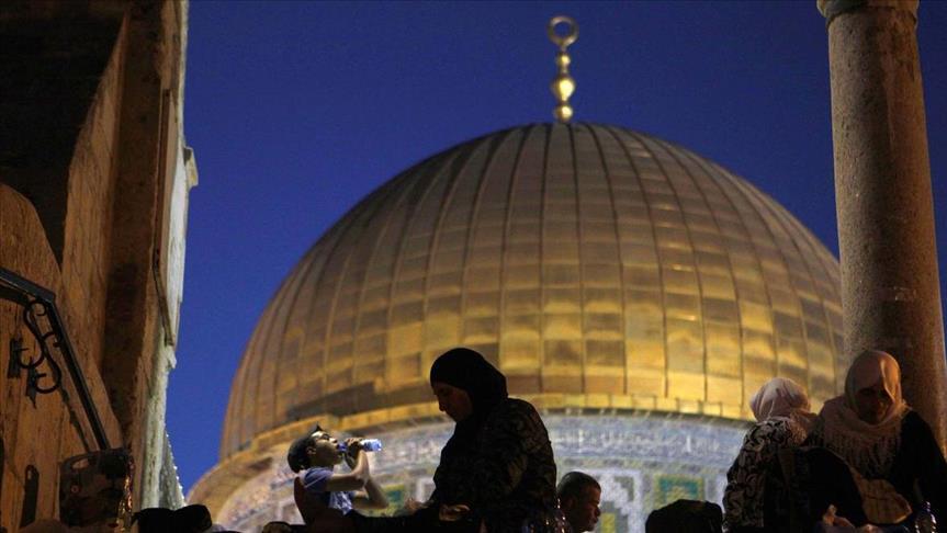 الحكومة الفلسطينية: إغلاق الأقصى يفتح الطريق أمام حرب دينية