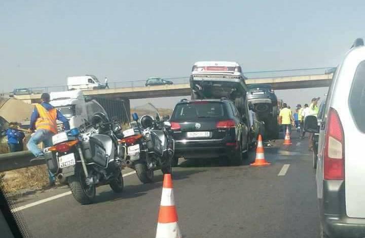 حادثة سير خطيرة على الطريق السيار الرابط بين الدار البيضاء والرباط