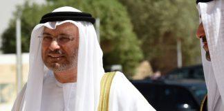 وصف وزير الدولة للشؤون الخارجية الإماراتي بالخائن لحظة دخوله إلى قاعة تشاتام هاوس في لندن