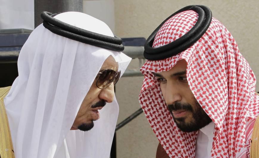 الغارديان: مؤشرات خلاف بين الملك سلمان وولي عهده