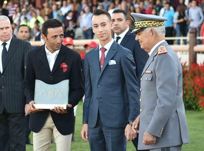 الأمير مولاي الحسن يستعد لاجتياز مباراة في الطيران