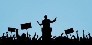 والسياسيــون يتبعهـم الغاوون...!