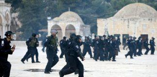 اقتحام جديد للمسجد الأقصى والاحتلال يعتقل أحد الحراس