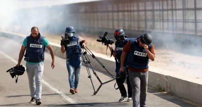 الأجهزة الأمنية الفلسطينية تعتقل خمسة صحفيين في الضفة