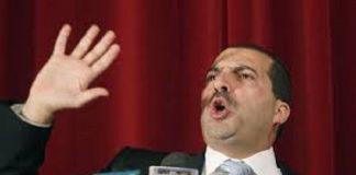 عمرو خالد يرد على منتقديه ويصفهم بالمتطرفين المثيرين للفتنة