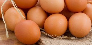 المغربي يستهلك 180 بيضة في السنة