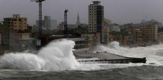 الأمريكيون ينهبون بعضهم بعد إعصار إرما والأمن يعتقل 28 شخصا