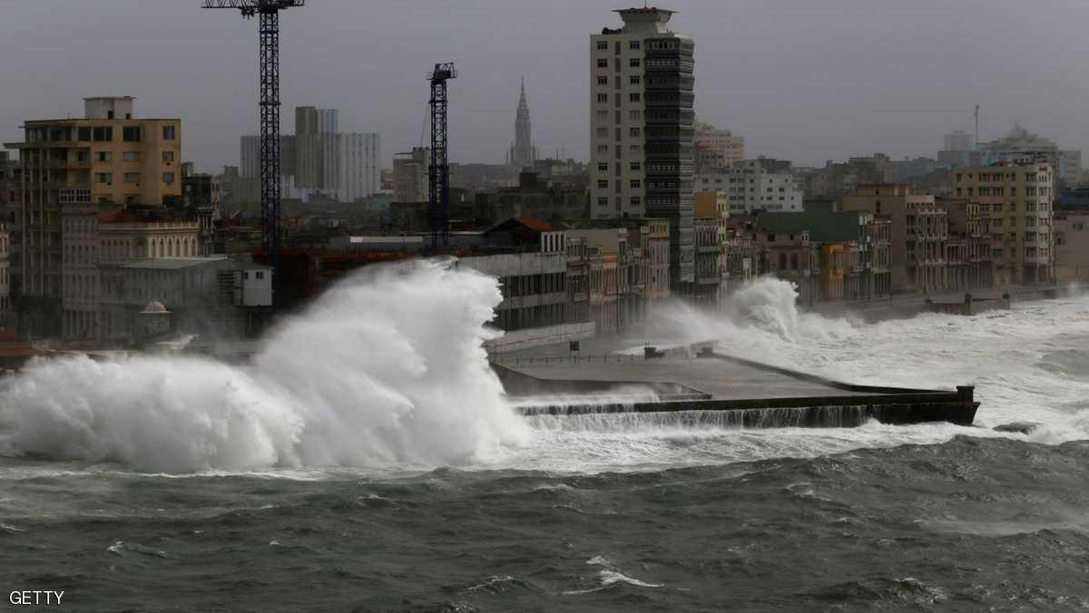 إعصار كبير يهدد شرق الولايات المتحدة