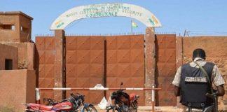 أم مغربي معتقل على خلفية الإرهاب بالنيجر تطرق أبواب المؤسسات الرسمية مجددا لطلب ترحيله إلى المغرب
