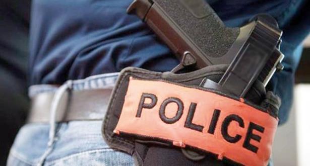 مقدم شرطة بالخميسات يستعمل سلاحه الوظيفي لتوقيف شخص عرض عناصر الأمن لتهديد خطير