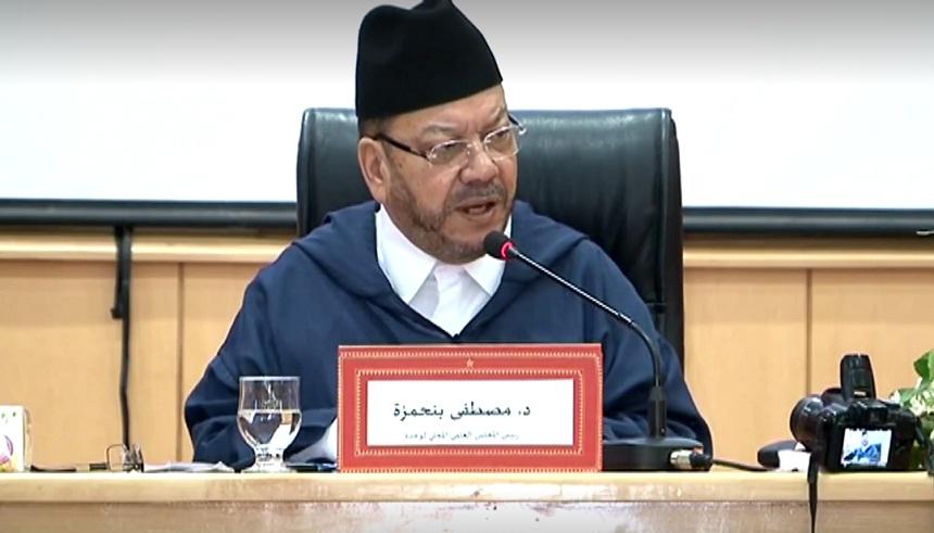 فيديو.. الرد على من يدعي أن مساجدنا منحرفة عن القبلة - الشيخ مصطفى بنحمزة
