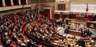 البرلمان الفرنسي يقر بشكل نهائي قانون مكافحة الإرهاب