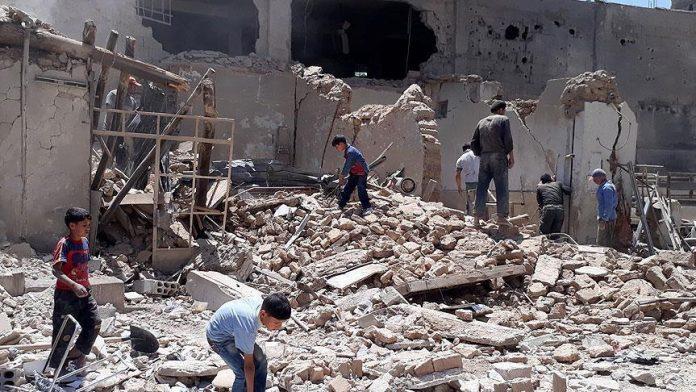 الغوطة الشرقية.. نصف مليون شخص يحاصرهم النظام ويمنع عنهم المساعدات