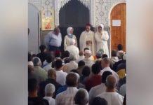 الله أكبر.. إسلام فرنسية خمسينية في مسجد بالرباط بعد صلاة الجمعة اليوم