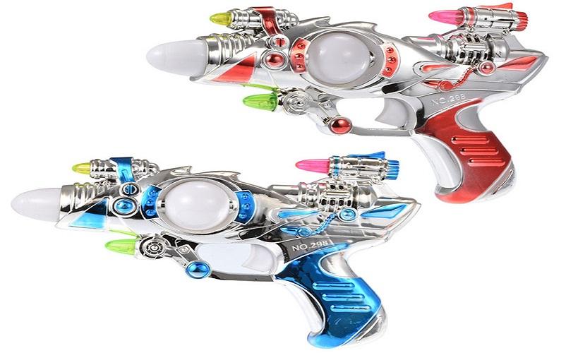 مسدس بلاستيكي مزود بالليزر يتسبب في إصابة طفل بالإغماء