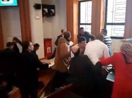 فيديو مثير.. معركة بين مستشاري العدالة والتنمية والأصالة والمعاصرة في جماعة الرباط