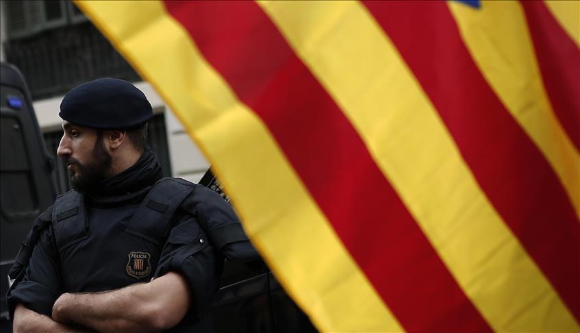 إسبانيا تطرد إماما مغربيا كان يقيم بها بصفة غير شرعية بحجة أنه خطر على أمنها القومي