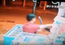 فيديو خطير.. سرقة باستعمال السيوف والأقنعة