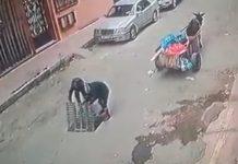 فيديو.. سرقة غطاء بالوعة الوادي الحار في وضح النهار من إحدى الشوارع