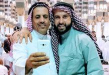 شاهدوا كيف يتحدّى هذا الصهيوني المسلمين ويستفزّ مشاعرهم من داخل الحرم النبوي!!