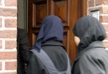 مزّقا حجابها وملابسها وجرّاها على الأرض.. عنصريّان في بلجيكا يرسمان صلباناً على جسد مسلمة بأدوات حادة