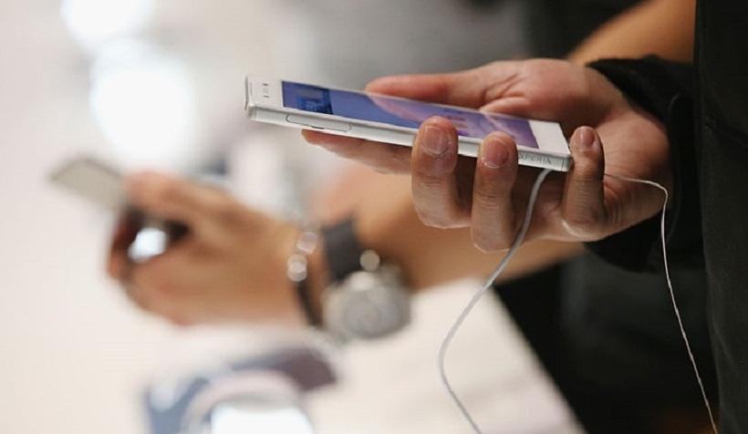هاتف آيفون أكس آر يواجه مشكلة