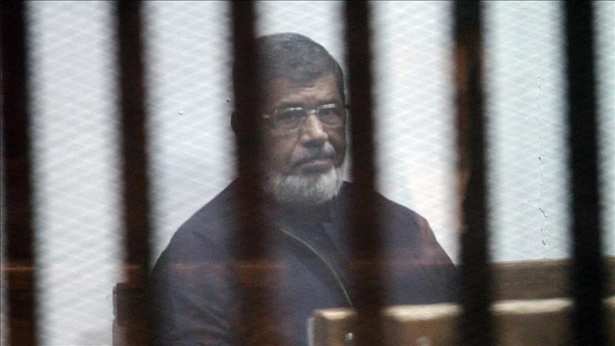 نجل مرسي يتهم السيسي ومسؤولين في نظامه بقتل والده
