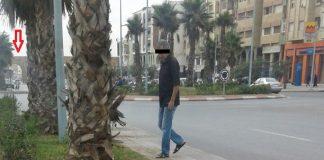 بالصور والفيديو.. تسرب للمياه بأحد الأنابيب قرب أقواس سيدي موسى لساعات ولا من متدخل!!