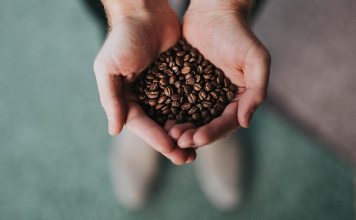 غَرامُ القهوة.. حين تصارع الفقهاء حولها
