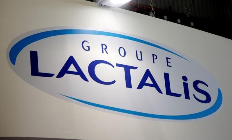 """شركة """"لاكتاليس"""" الفرنسية تسحب ملايين علب حليب الأطفال الملوثة في 83 بلدا"""